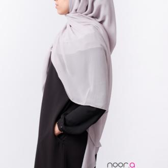 Hijab maxi carré gris clair en mousseline