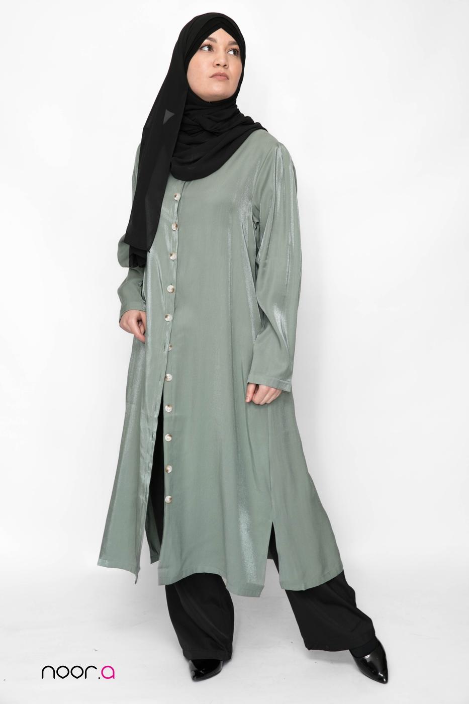 tunique-longue-pour-hijab-kaki-satinée-pantalon-large-noir-hijab-mousseline-luxe-noir (2)
