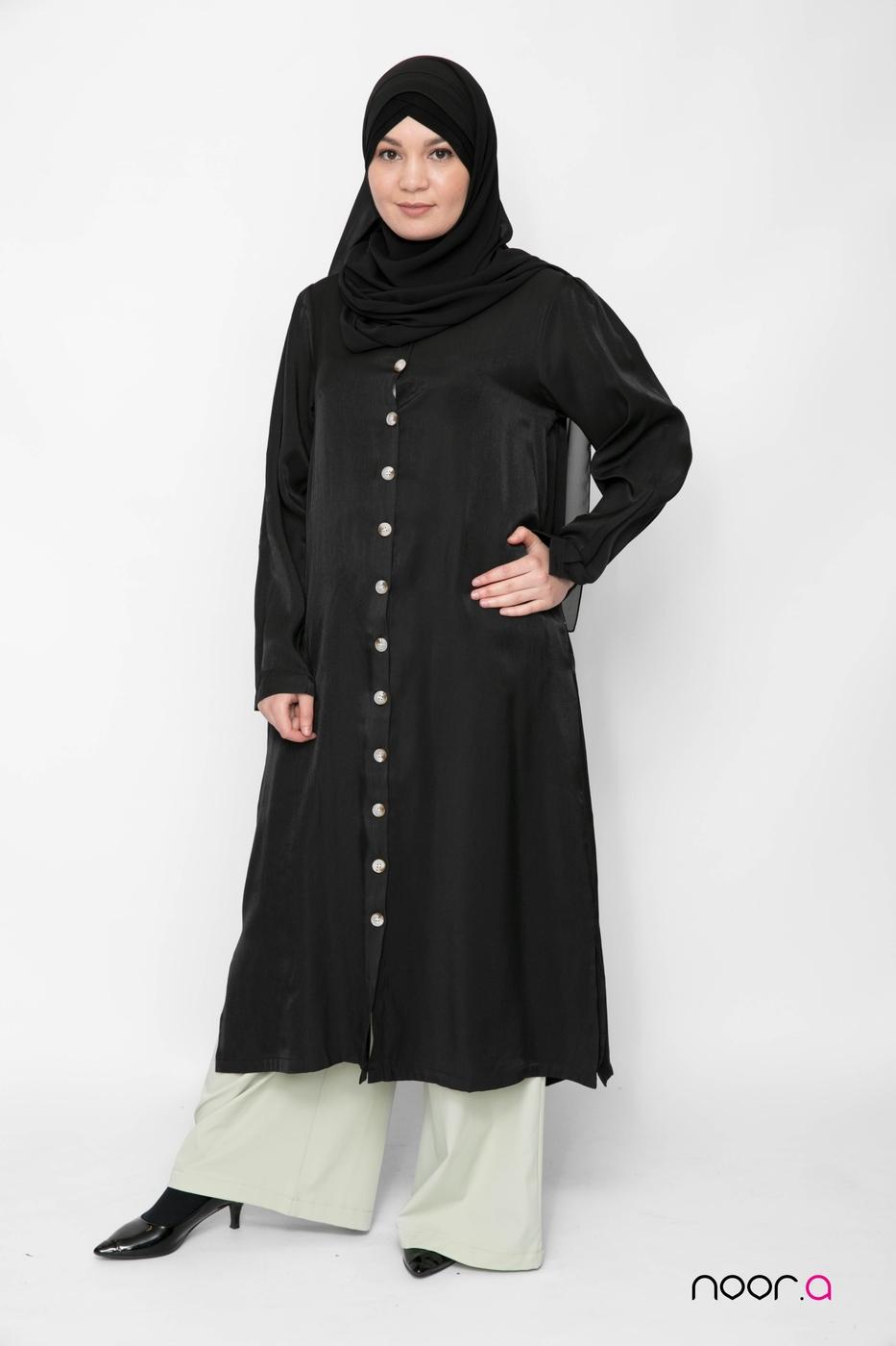 tunique-longue-pour-hijab-noire-satinée-pantalon-large-vert-clair-hijab-mousseline-luxe-noir (2)