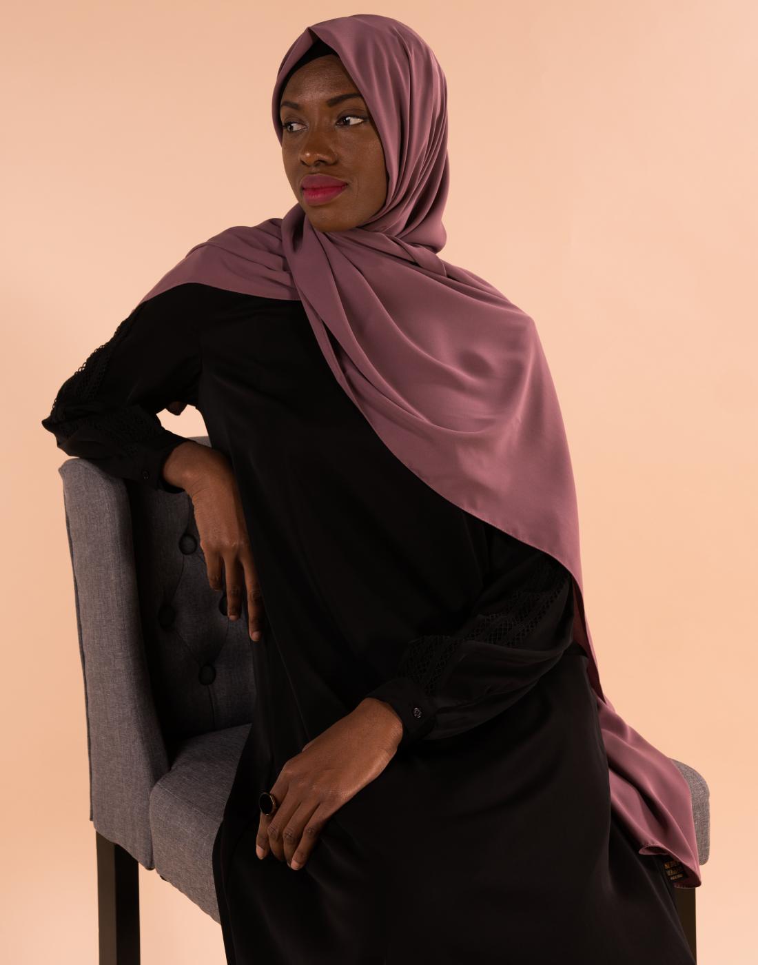 tunique_broderie_noire_hijab_soie_de_medine_mauve (2)